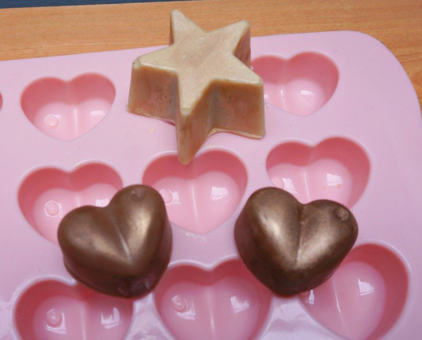 DUPE LUSH Glitter Lotion Bars - Shimmy Shimmy & black Stockings | A DIY by The Makeup Dummy