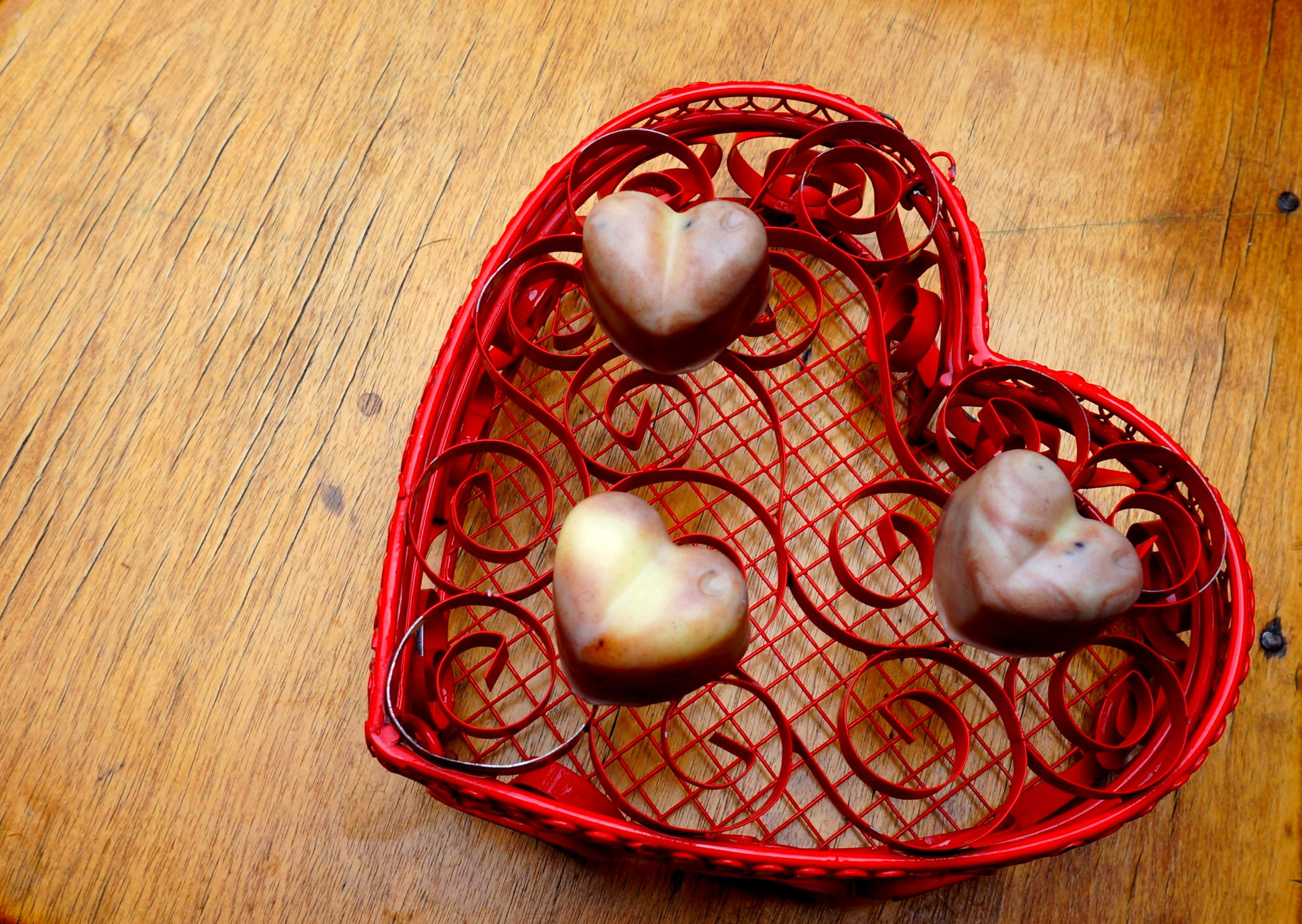 DIY 'Chocolate Lovers' Massage Bars {inspired by Lush Soft Coeur}