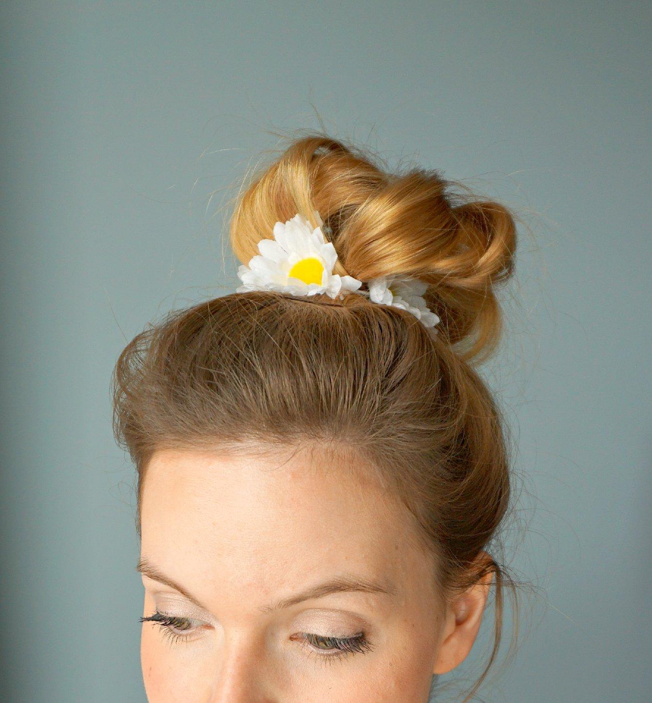 DIY Daisies Hair Tie Tutorial