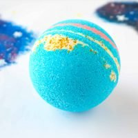 DIY Galaxy Bath Bombs + video tutorial