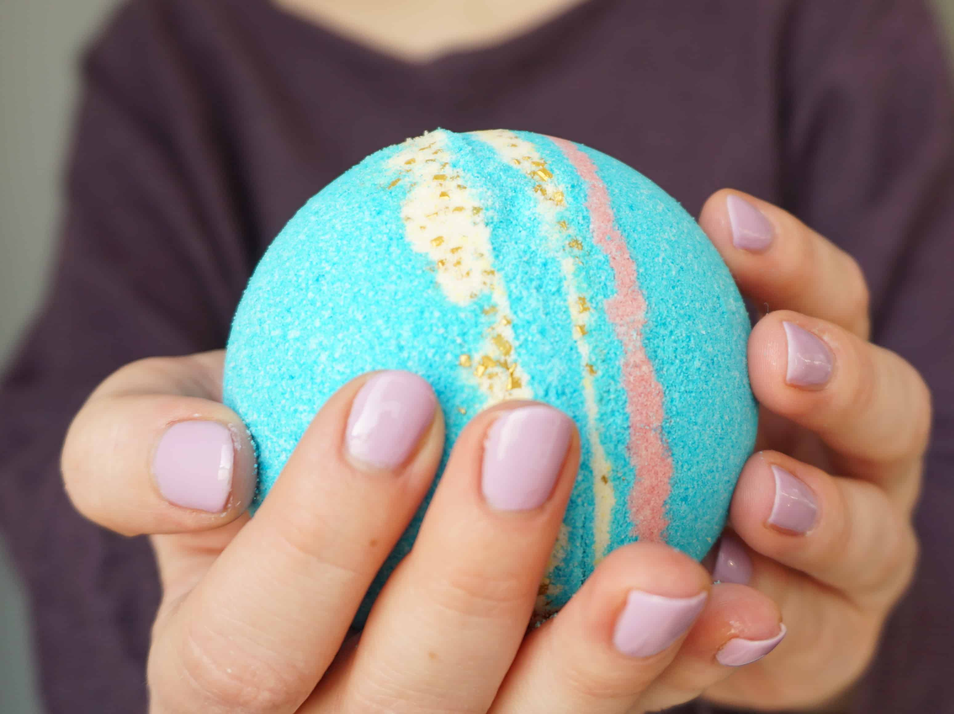 How to make your own Galaxy Bath Bombs   DIY by The Makeup Dummy