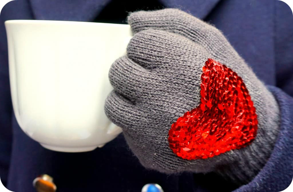 Valentine Gift Idea DIY gloves with sequins
