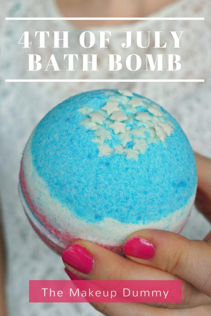 4th of July inspired Bath Bomb tutorial - great party favor gift idea! DIY by The Makeup Dummy