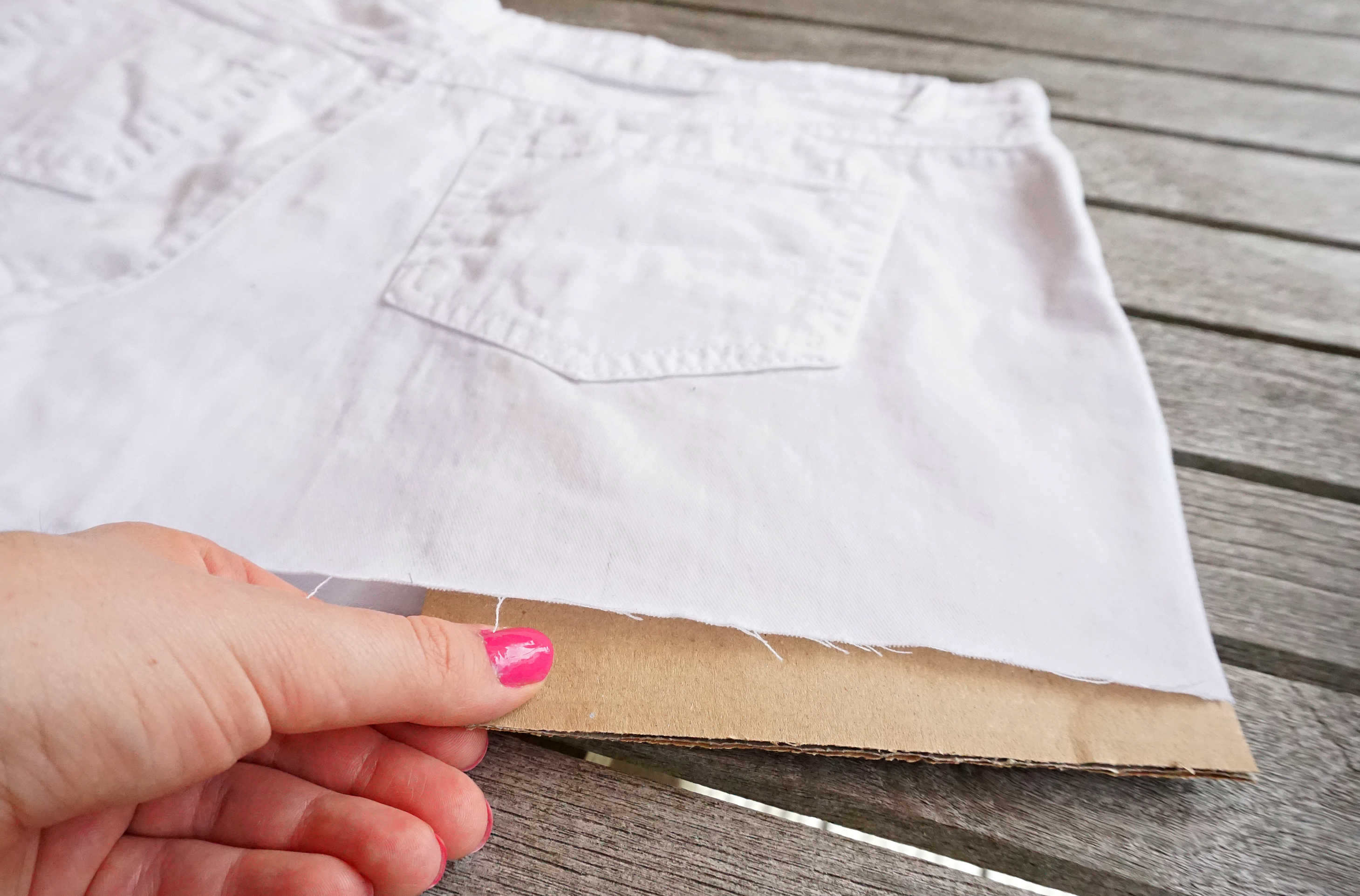 Tutorial on how to make your own Watercolor cut off Shorts DIY by The Makeup Dummy