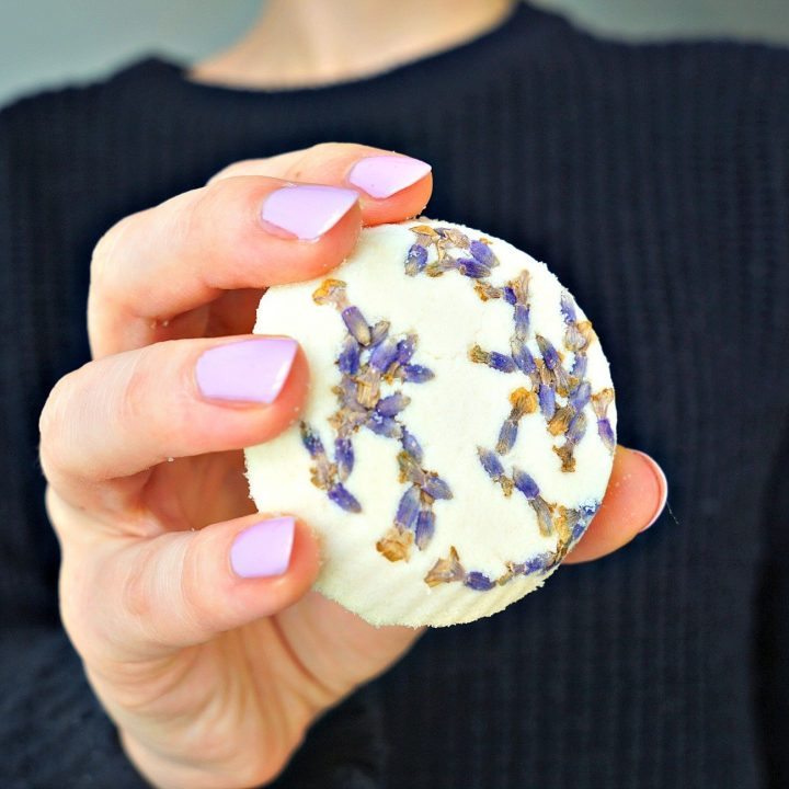 How To DIY Bath Bombs with lemon juice and WITHOUT citric acid or cream of tartar Tutorial by The Makeup Dummy