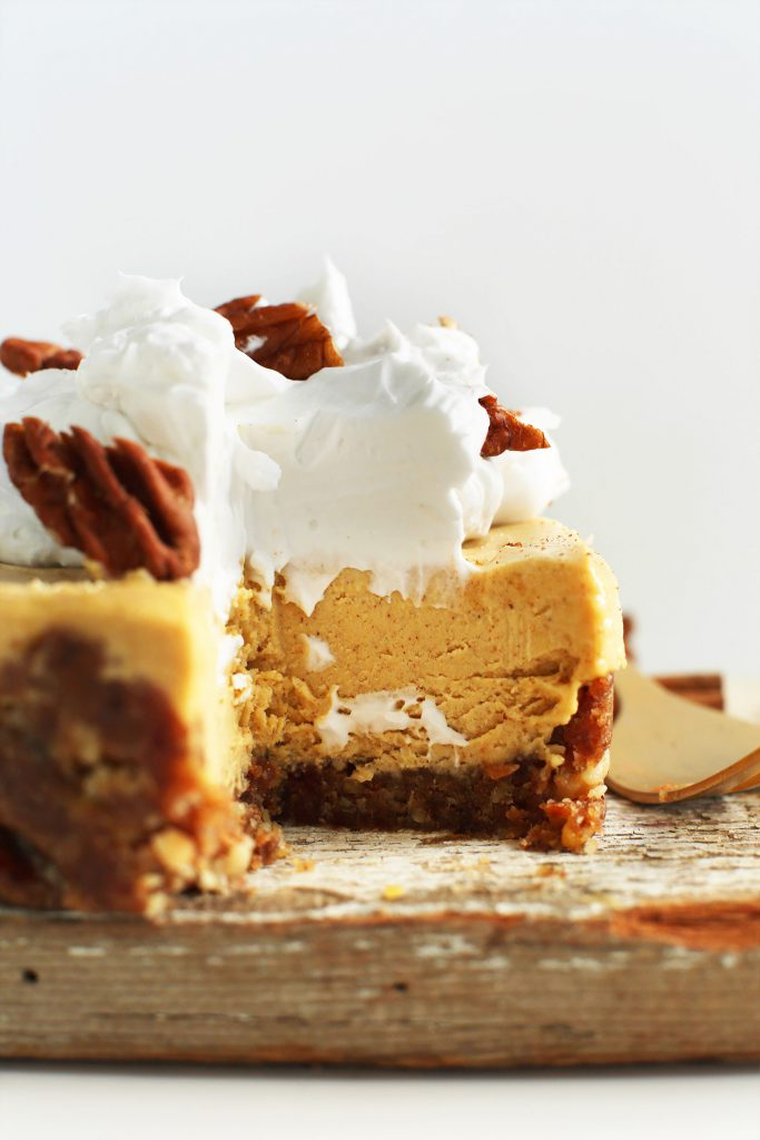 thanksgiving-dessert-ideas-your-guest-wont-believe-are-healthy-by-the-makeup-dummy