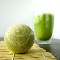 DIY Matcha Green Tea Bath Bombs with swirls