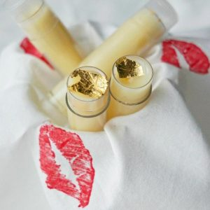 Very easy DIY Vegan Lip Balm Recipe