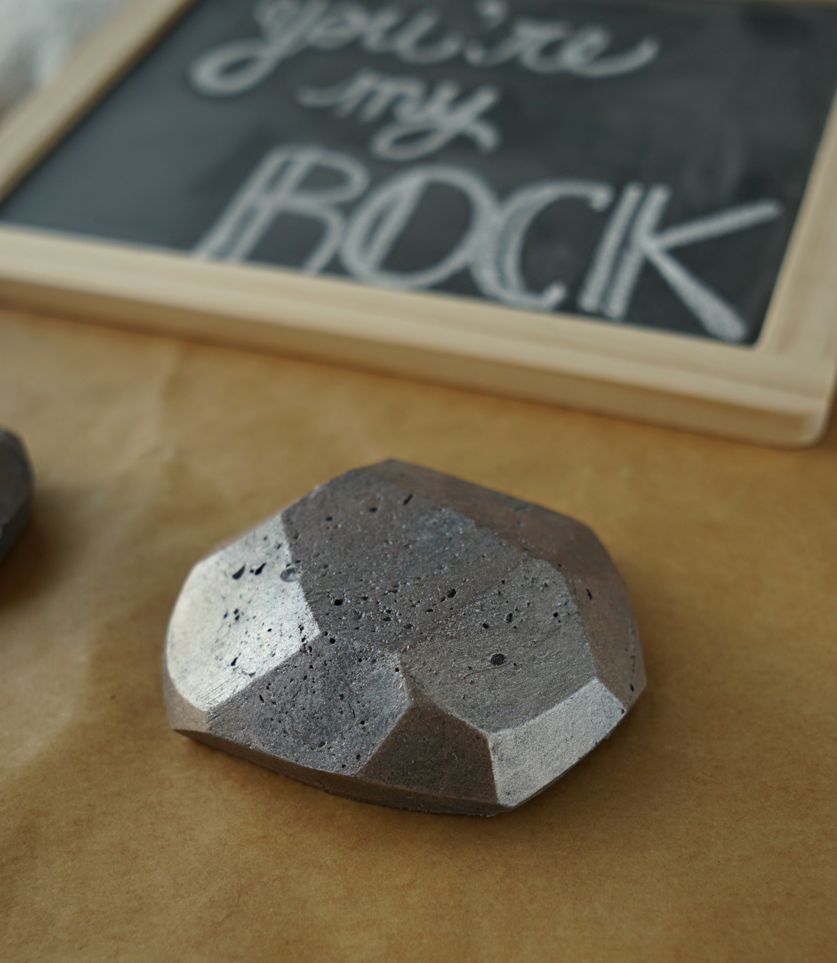 Easy melt and pour rock Soap DIY Tutorial by The Makeup Dummy #soapmaking #diygift