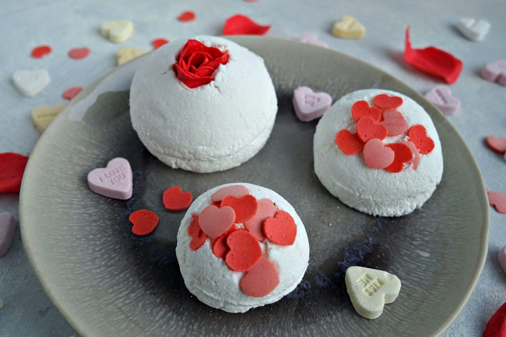 Fun, easy and cheap tutorial to make your own bubble bar bath bomb using liquid bubble bath and without SLS or SLSa powder. DIY by The Makeup Dummy