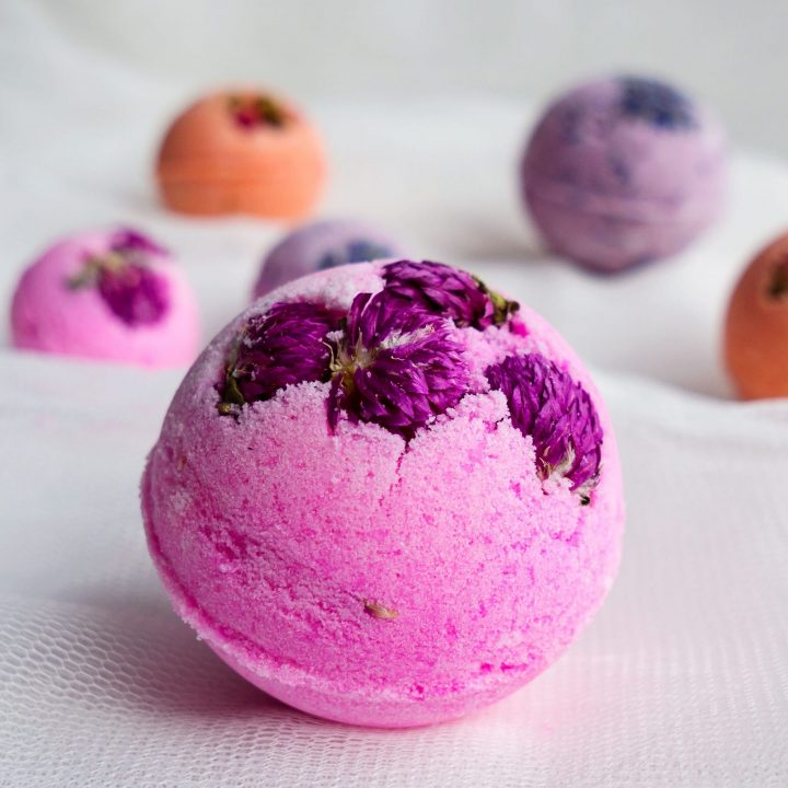 How To make Bath Bombs WITHOUT citric acid. This easy recipe is made with cream of tartar. Tutorial by The Makeup Dummy