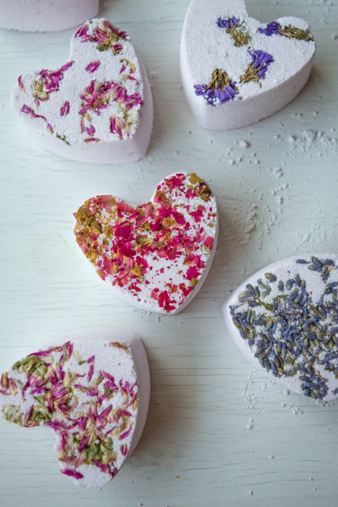 THESE BATH BOMBS FIZZ, FOAM AND BUBBLE!! How To Make Bubble Bath Bombs inspired by Lush Bubble bars! DIY tutorial by The Makeup Dummy