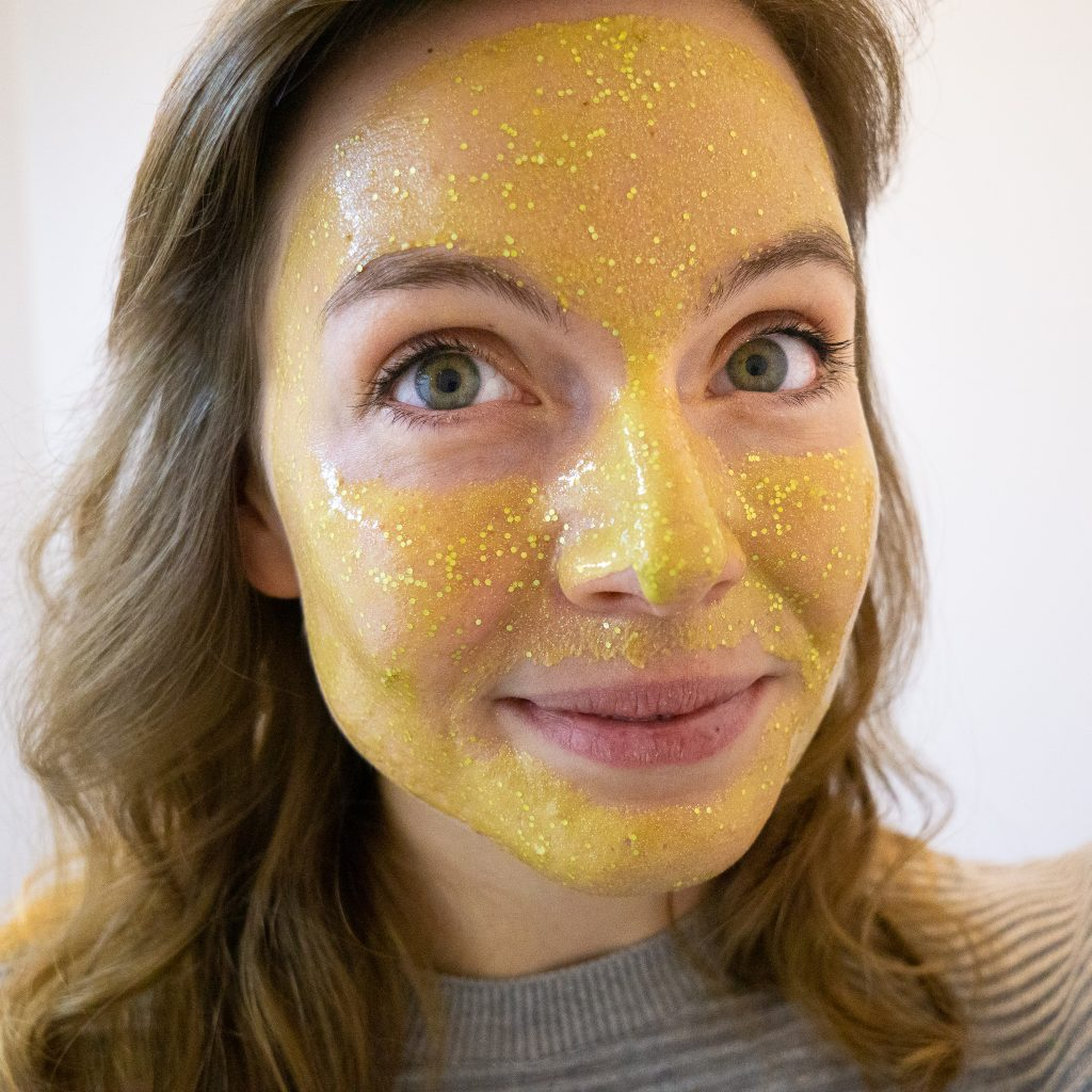 DIY Glitter Face Mask with Biodegradable Glitter from Eco Glitter Fun! DIY tutorial by The Makeup Dummy #diybeauty #giftidea #holidaygiftideas