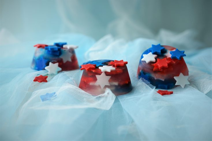 Patriotic Craft Melt and Pour Soap Tutorial