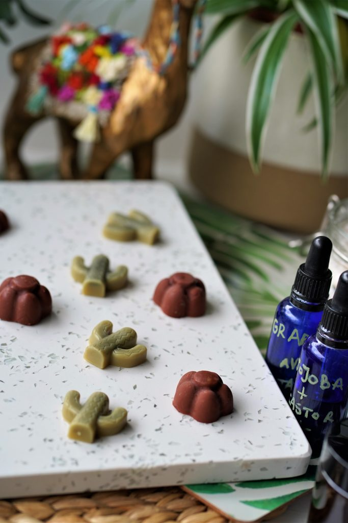 No more itchy, dry legs this Summer! Learn how to Make your own non greasy lotion bars with simple, all natural and vegan ingredients. These travel size massage bars are perfect for hot Summer days.
