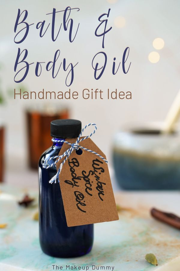 There\'s no need to spend lots of money or spend hours in shops looking for the perfect Holiday presents. Just make handmade gifts for Christmas this year! Whether its for secret Santa or to hand out to all your family and friends, this easy and affordable bath and body oil will be a hit with girlfriends, boyfriends, brothers and sisters!